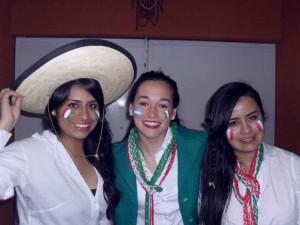 Daiana con su familia mexicana