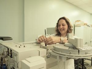 Dra. Ivana Alberini Directora del Componente de Contaminantes en Matriz Ambiental
